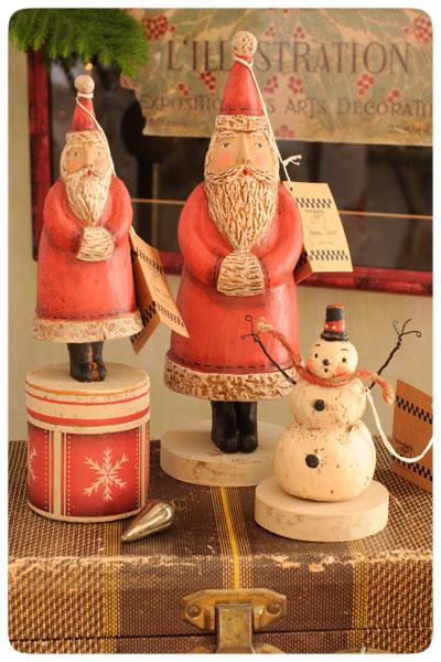 Santas-&-Snowman