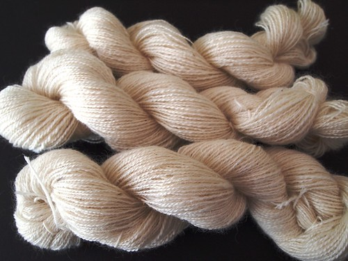 8oz-2-ply-50BorderLeicester 50 Kid Mohair- total of 634yds-1