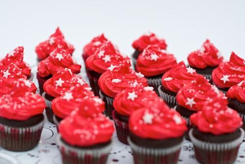 Mini-cupcakes z kremem truskawkowym by CupcakeLovePL