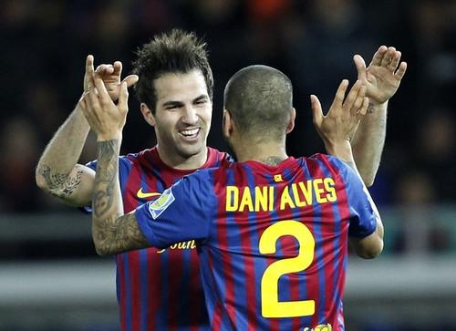 Fabregas dan Dani Alves