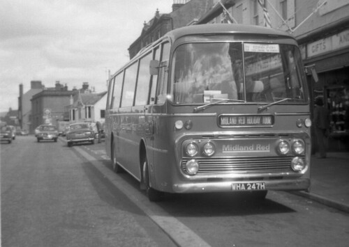 bus coach tour leopard saloon highstreet leyland moffat plaxton midlandred 6247 wha247h moffattweedshop