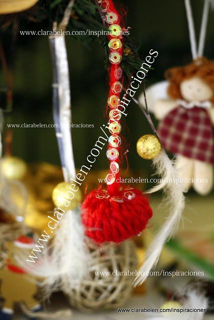 manualidades con reciclaje. Adornos de navidad con tapones de botella y lana