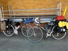 road bicycle, wheel, vehicle, sports equipment, cyclo-cross bicycle, racing bicycle, land vehicle, bicycle,