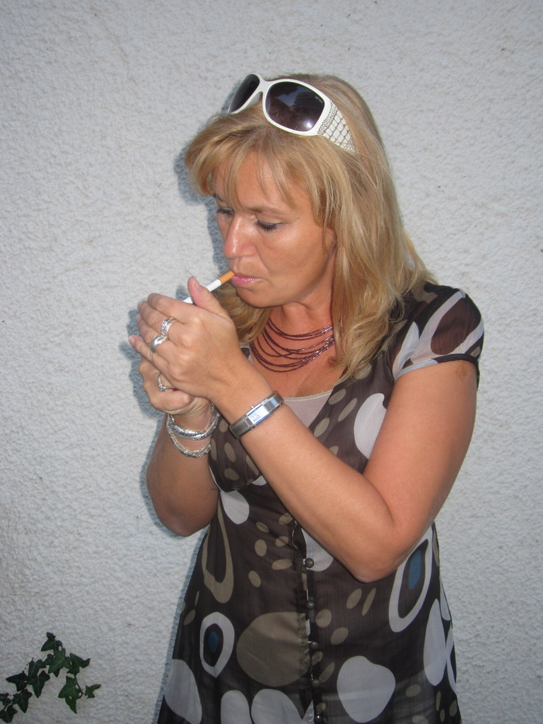 Mature women smoking pics
