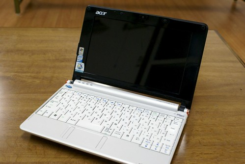 acer aspire one バッテリー交換