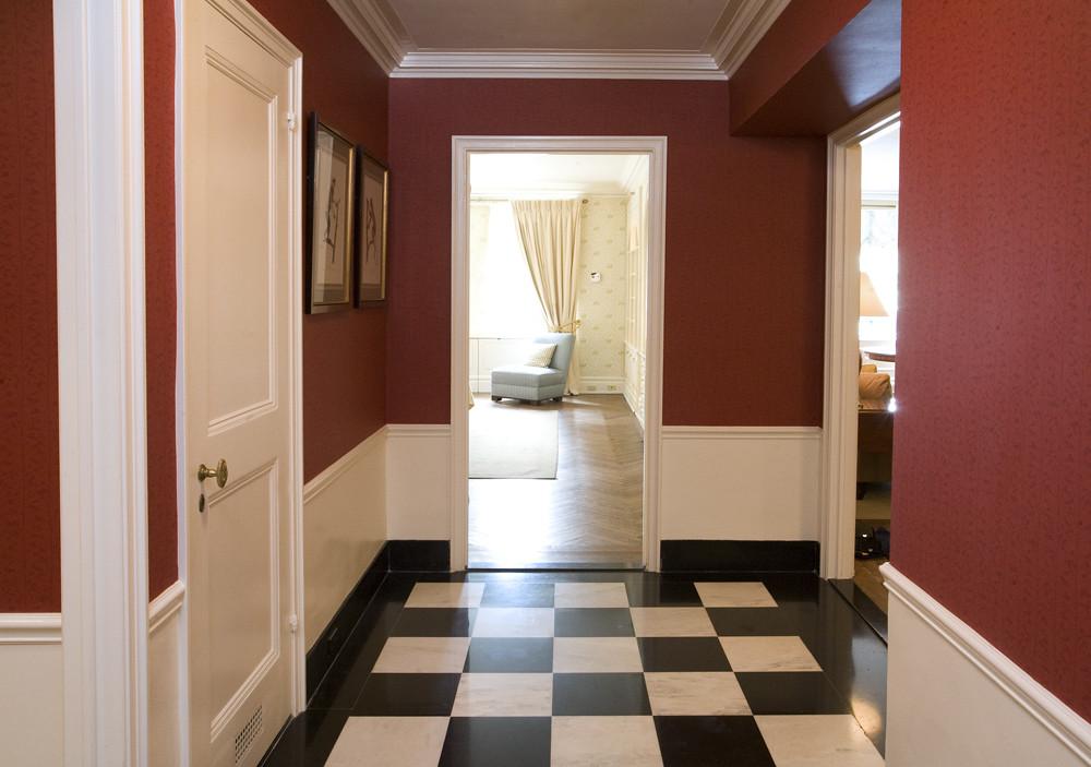 RM 301 Hallway