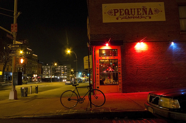 Pequena, Fort Greene
