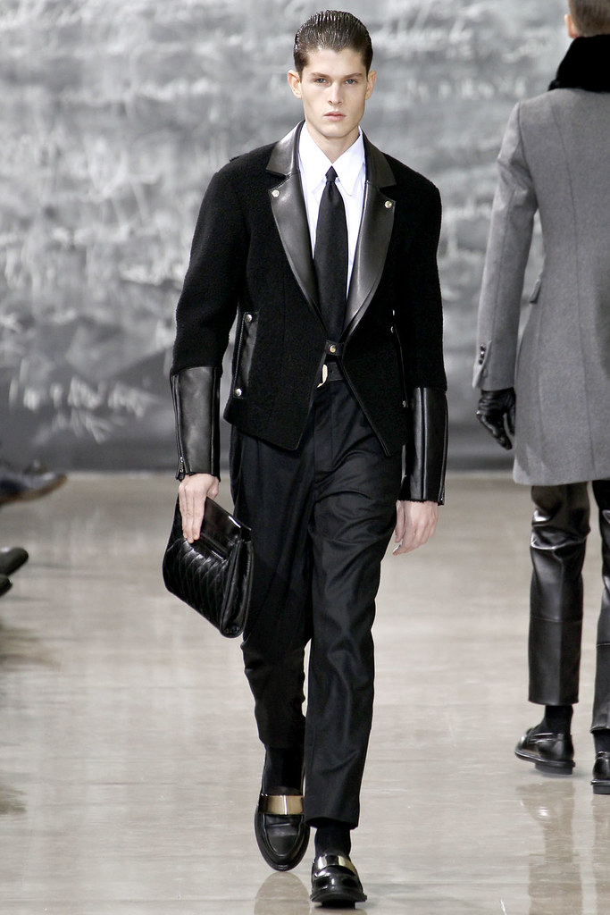 FW12 Paris Yves Saint Laurent012_Diogo Wenzel(VOGUE)