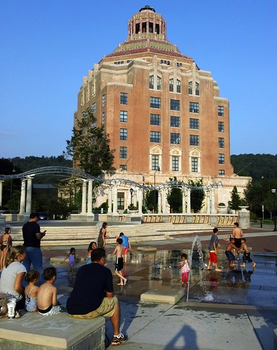 pool and City Hall, Asheville, NC (c2012, FK Benfield)