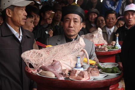 6794338545 97f337f1cf Lễ hội Chạy lợn ở Hà Nội Nóng bừng 3 phút mổ lợn khao quân