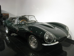 race car, automobile, vehicle, automotive design, jaguar d-type, jaguar xkss, antique car, vintage car, land vehicle, convertible, sports car,