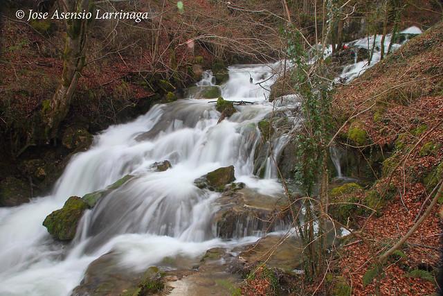 Sierra de Entzia por La Tobería - El reino de las Tobas #DePaseoConLarri #Flickr 7055