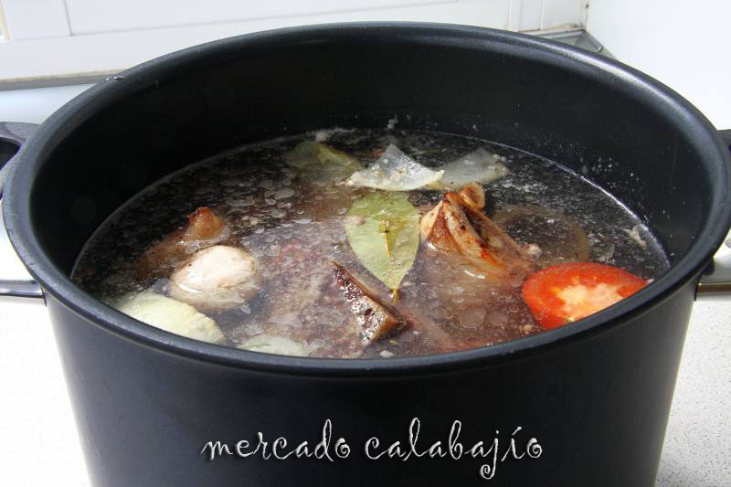 CALDO DE CARNE DE TERNERA X