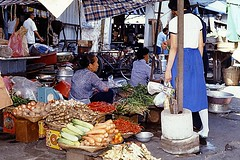 stall(0.0), road(0.0), city(0.0), public space(0.0), street(0.0), retail-store(0.0), market(1.0), food(1.0), bazaar(1.0), flea market(1.0), marketplace(1.0),