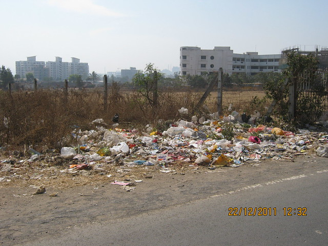 Garbage on the road in the neighborhood of Akshar International School, Wakad, Pune 411 057