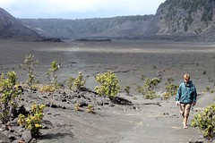 Hawaii / Big Island: Hiking thru the Kilauea Iki Crater