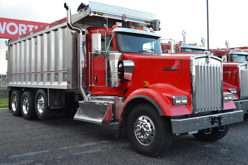 Tri Axle Show Trucks : Kenworth w l tri axle dump truck a photo on