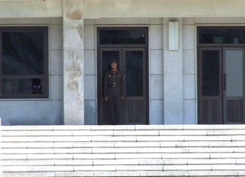 south korea dmz rok 2010 jsa panmunjeon kaesong jointsecurityarea campbonifas demilitarisedzone koreacorearepublic