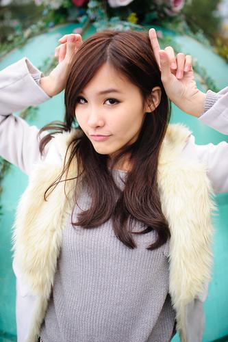 [フリー画像素材] 人物, 女性 - アジア, セーター, 台湾人 ID:201201222000