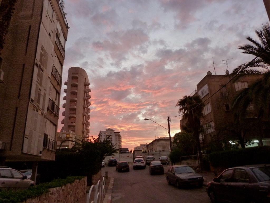 30-12-2011-ramat-gan-skies