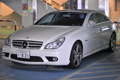 mercedes-benz w212(0.0), mercedes-benz e-class(0.0), automobile(1.0), automotive exterior(1.0), wheel(1.0), vehicle(1.0), automotive design(1.0), mercedes-benz w219(1.0), mercedes-benz(1.0), rim(1.0), bumper(1.0), mercedes-benz cls-class(1.0), sedan(1.0), personal luxury car(1.0), land vehicle(1.0), luxury vehicle(1.0),