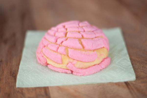 calivintage: pink concha