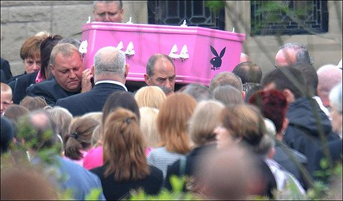entierro-en-rosa