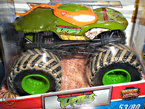 """ Hot Wheels "" Monster Jam ' Teenage Mutant Ninja Turtles ' 1:64 Monster Truck - Michelangelo {  MUD TRUCKS tire treads } 53/80 ii  (( 2011 ))"