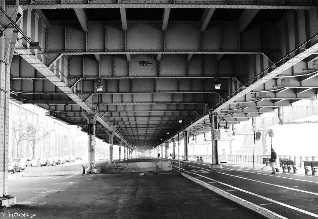 camineria-manhattan-bridge-BW