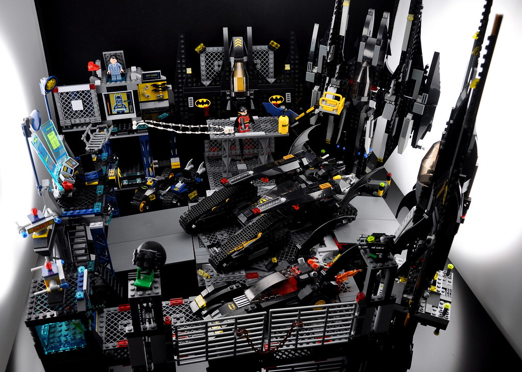 Enlarging 6860 The Batcave Toysnbricks Lego Forums