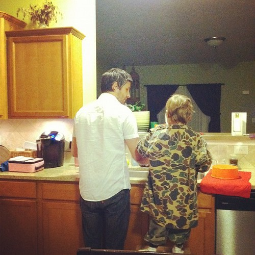 My men doing the dishes. Swoon.