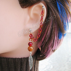 Red and orange cartilage chain earring - Messenger's Feather