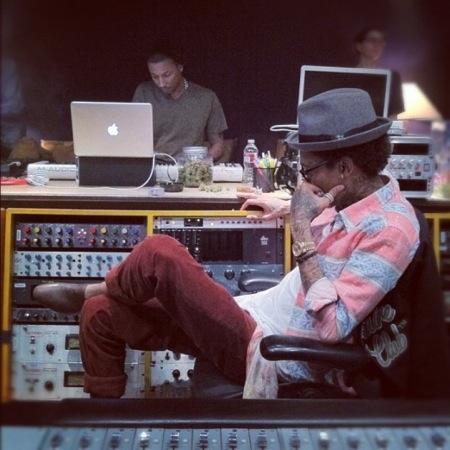Pharrell Williams Wiz Khalifa studio