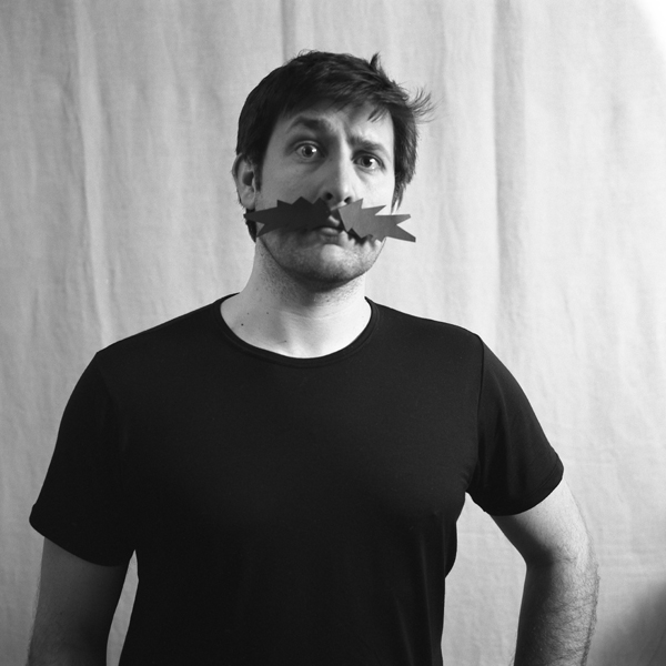 > moustache:(n.f) Poils qui recouvrent la lèvre supérieure. 6803027835_6f62f54005_o