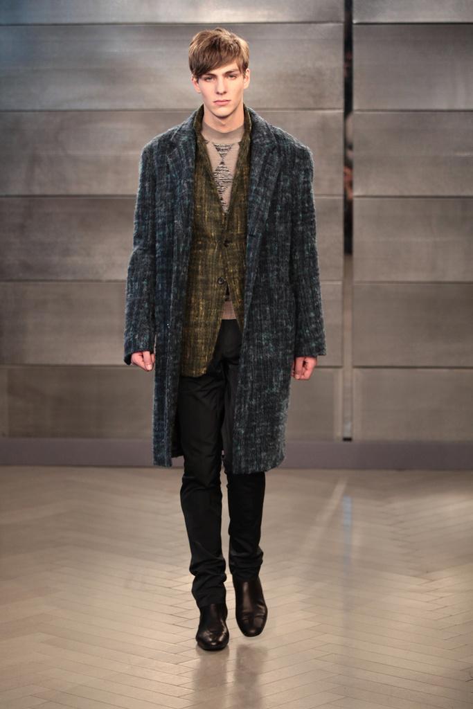 Antoine Des Beauvais3000_FW11 Paris Cerruti(Homme Model)