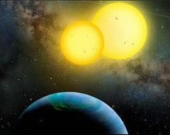 藝術家眼中的kepler-35行星系統,像土星般大的行星繞行一對母星。(NASA 提供)