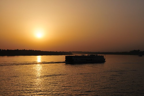 cruise sunset river gold golden boat egypt nile 日落 埃及 nilecruise 尼羅河 melindachan 尼羅河日落