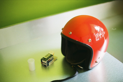 Helmet Vintage by Khang Hua