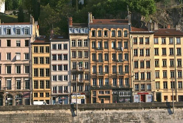 Façade des quais de Saône à Lyon.