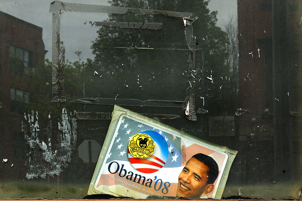 Obama '08 sticker on Fulton Street window--Bedford-Stu