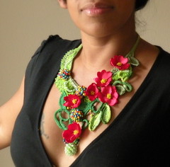 Statement crochet necklace