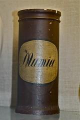 Mumia jar