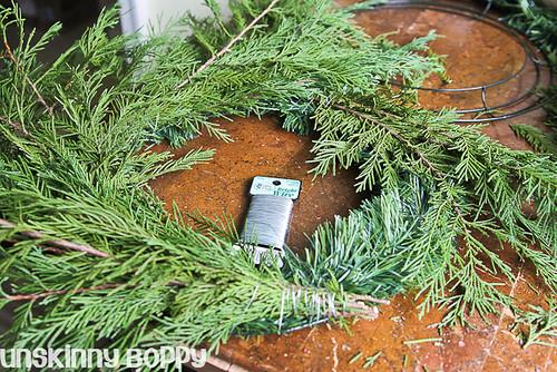 DIY Evergreen Christmas wreaths (4 of 16)