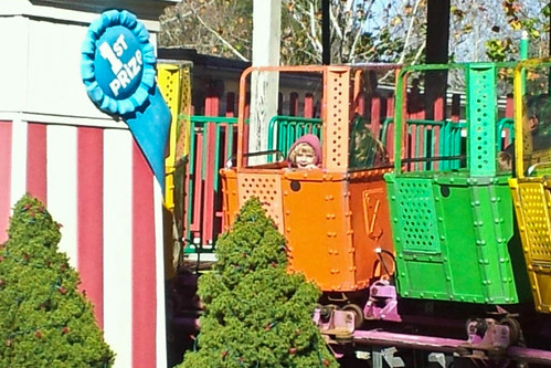 Kylie_dollywood_November2011_a.jpg