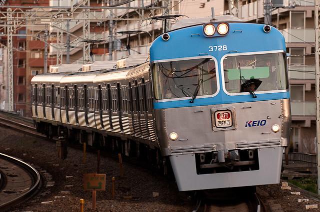 京王電鉄井の頭線3000系 3028F 0102
