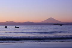 日没頃の逗子海岸
