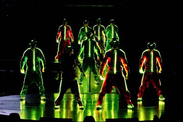 Cirque du Soleil Immortal Live Shot_4