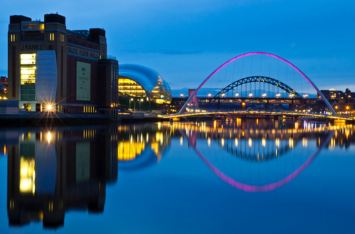 longexposure night river newcastle lights nikon gateshead tynebridge milleniumbridge swingbridge theeye quayside rivertyne thesage thebaltic newcastlequayside blinkingeye d40 1685mm