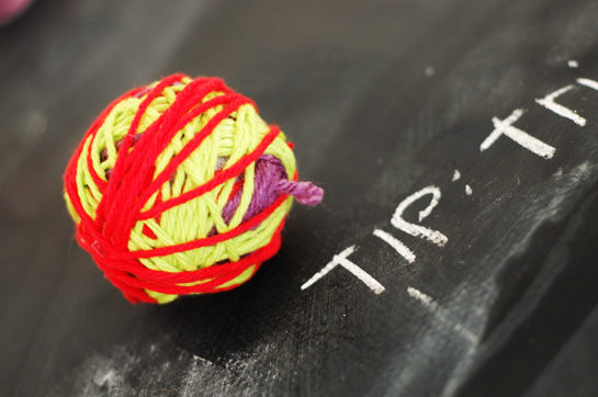 diy: yarn ball ornaments