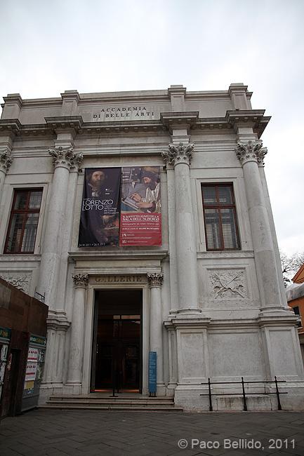 Entrada a la Galleria della Accademia. © Paco Bellido, 2011